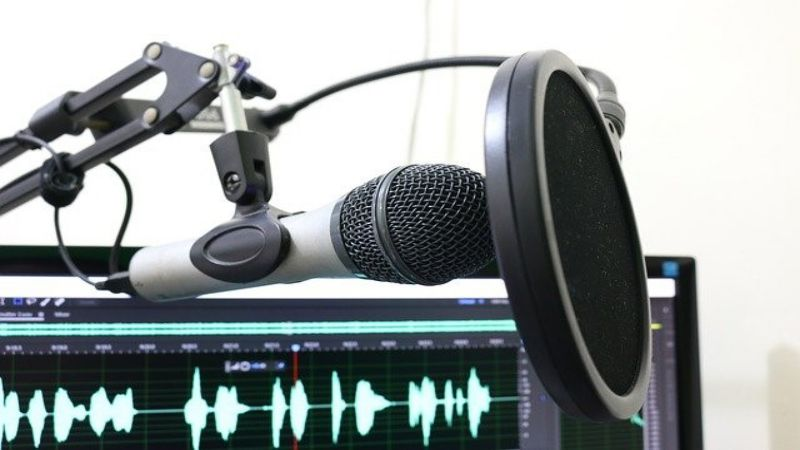 Make A Successful Podcast In 7 Easy Steps